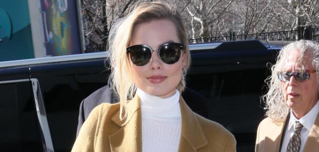GALERIA: Margot chegando ao desfile da Calvin Klein na NYFW