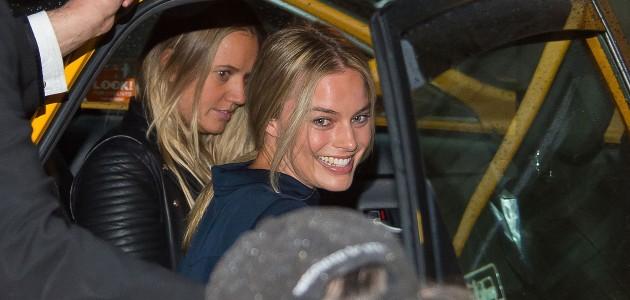GALERIA: Margot deixando seu hotel em NY