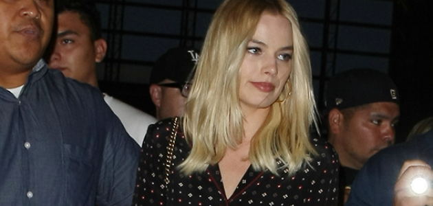 CANDIDS: Margot embarcando no LAX
