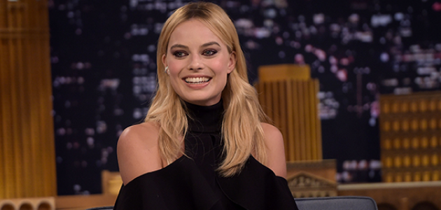 FOTOS & VÍDEOS – MARGOT NO THE TONIGHT SHOW STARRING JIMMY FALLON