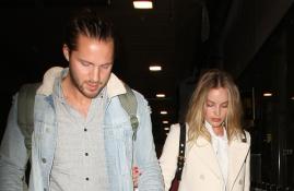 CANDIDS: Margot e Tom deixando Nova York + Chegando em Los Angeles