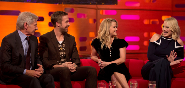 Vídeo: Margot Robbie tatua um fã no The Graham Norton Show