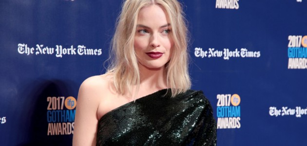 Margot Robbie fala sobre seu Dia de Ação de Graças com o Extra
