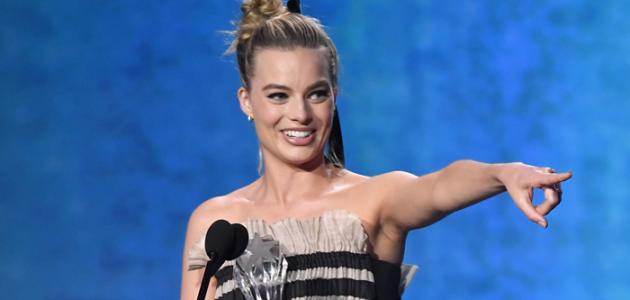 Margot Robbie vence o Critics Choice Awards de Melhor Atriz em Comédia