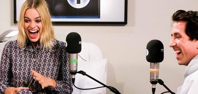Vídeo Legendado: Margot Robbie brinca de monitor de batimentos cardíacos com a BBC1